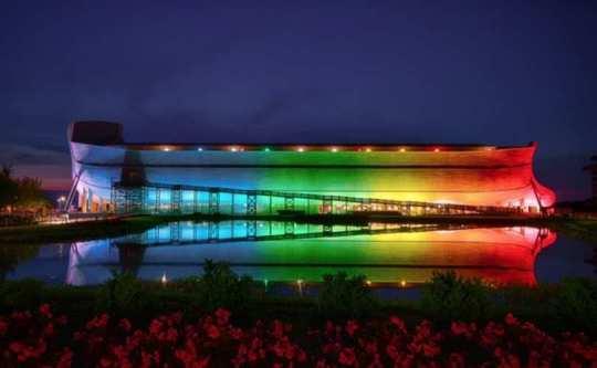 Creation_Museum_Ark_Encounter_Rainbow-Lit_810_500_55_s_c1